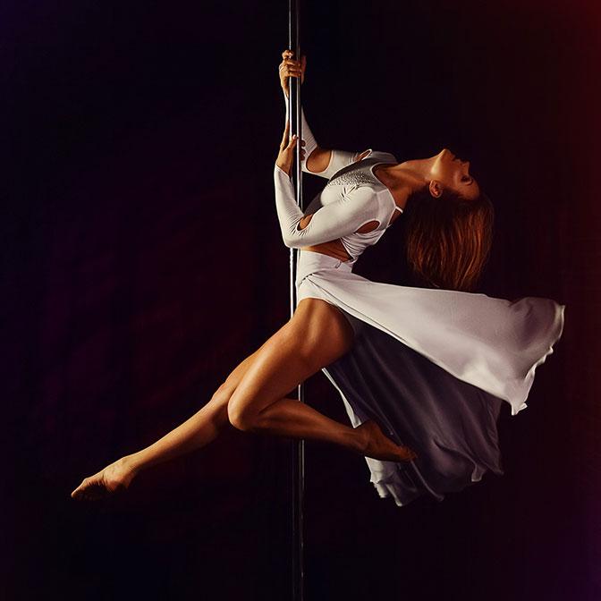 Descubre el pole dance o baile en barra